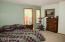544 Lily Ct, Yachats, OR 97498 - Main bedroom a