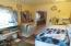 2010 NW 33rd St, Lincoln City, OR 97367 - Laundry room