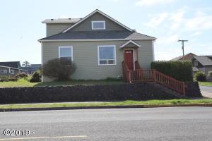 589 W Olive St., Newport, OR 97365 - Front Door