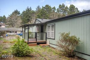 955 SE 31st St., Lincoln City, OR 97367 - Exterior
