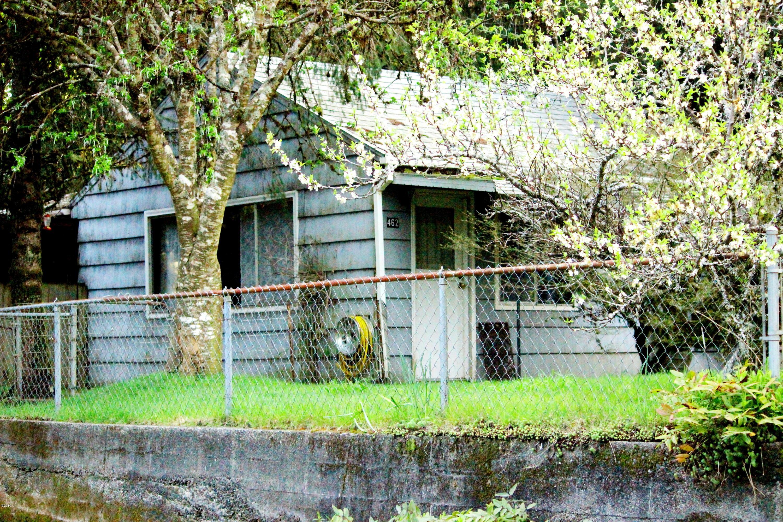 462 Elk City Road, Toledo, OR 97391 - Front of House