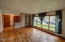 1921 NE Crestview Ct, Newport, OR 97365 - living room