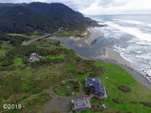 LOT 314 Tax Lot 15-12-27-40, Yachats, OR 87498 - Land sits between these two houses.