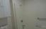 833 SW 13th St, #1, Newport, OR 97365 - Master bath
