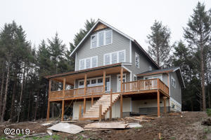 2142 SW Coast Ave, Lincoln City, OR 97367 - Front View