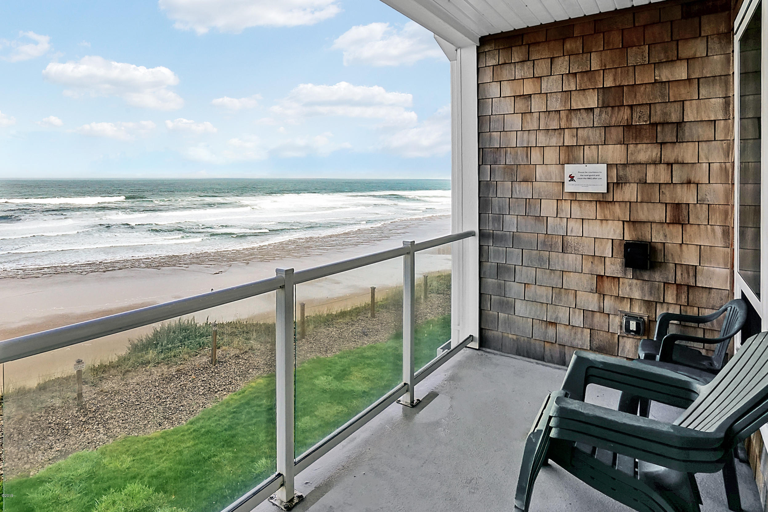 1723 NW Harbor Ave, 16, Lincoln City, OR 97367 - Pacific Winds Oceanfront Condo