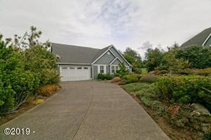 5715 SW Barnacle Ct, Newport, OR 97366 - Front of house