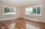 5025 NE K Ave, Neotsu, OR 97364 - Living Room - View 1 (1280x850)