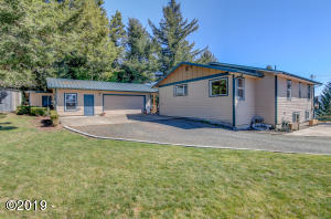 1416 Criteser Loop, Toledo, OR 97391 - House & Garage