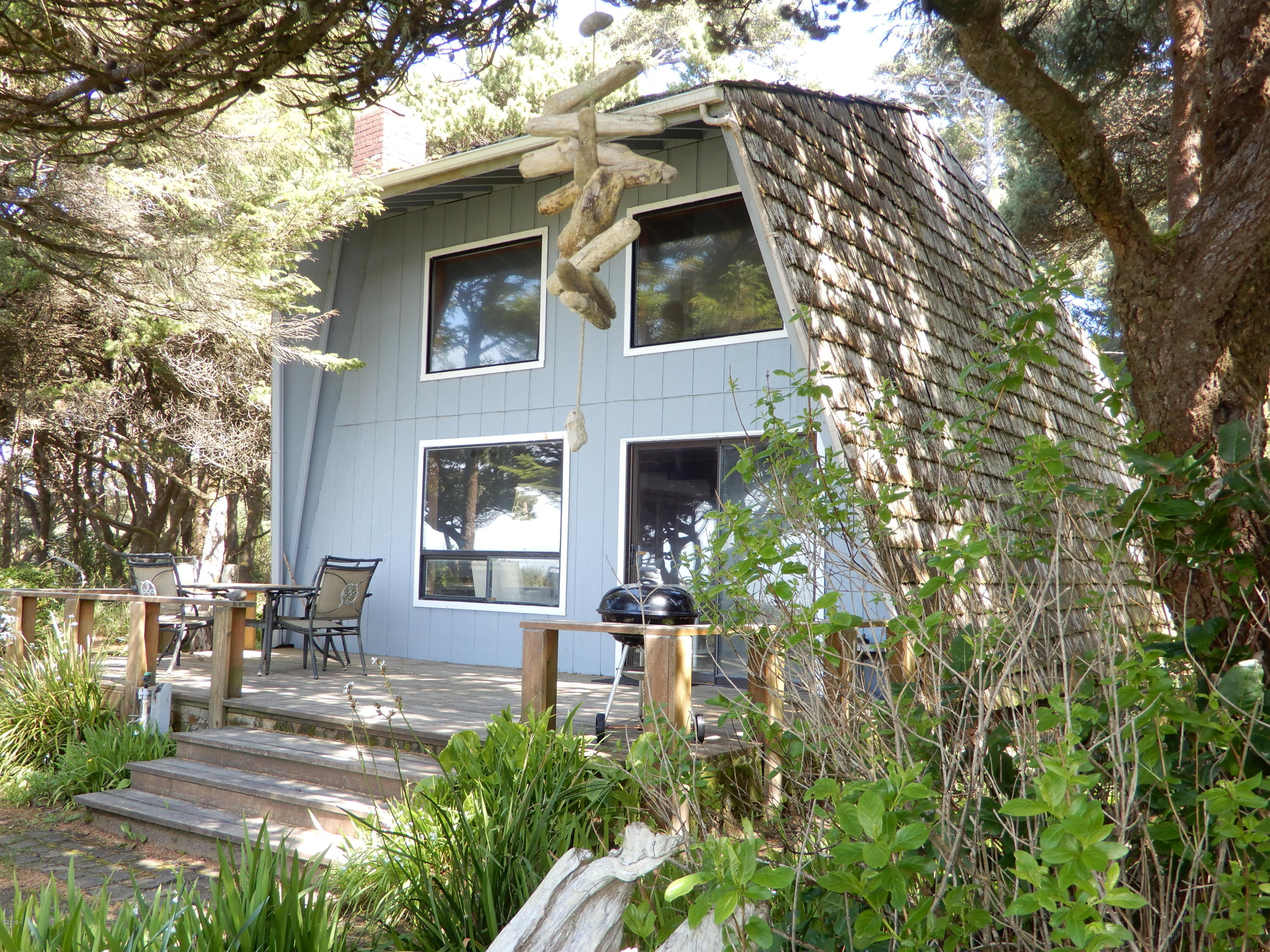 1318 NW Voyager Way, Seal Rock, OR 97376