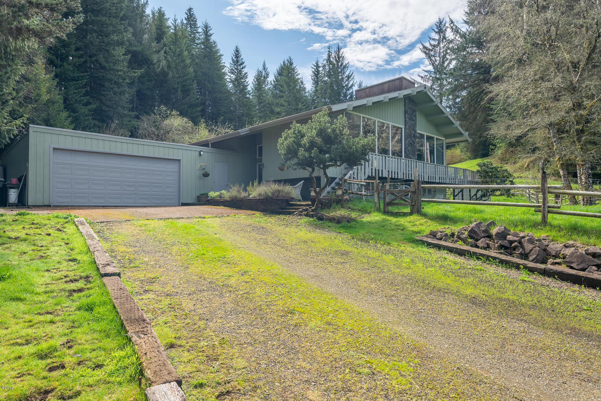 1859 Yasek Loop, Toledo, OR 97391