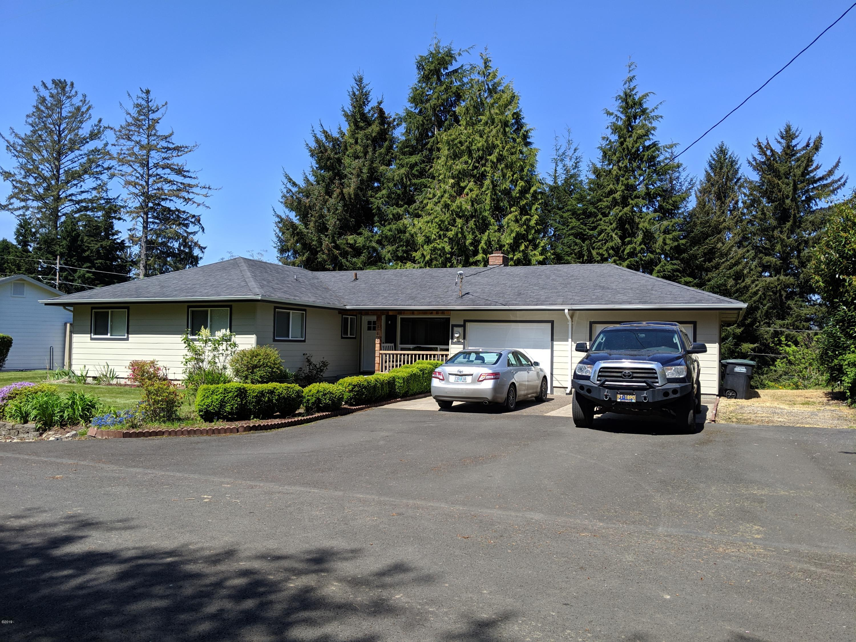 360 NE Edgecliff Dr, Waldport, OR 97394 - Front Of The Home