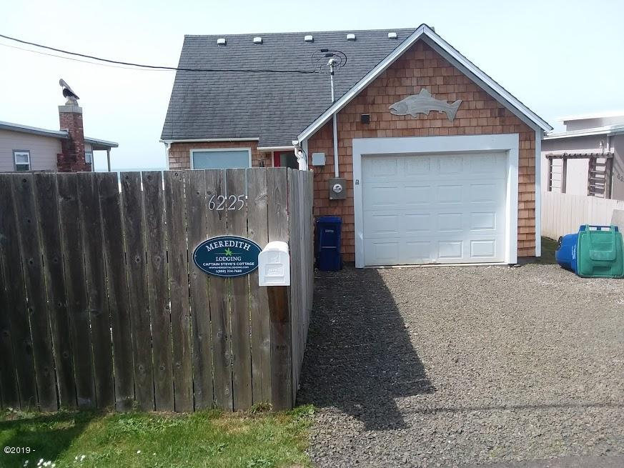 6225 Logan Rd, Lincoln City, OR 97367