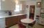 5017 SE Keel Ave, Lincoln City, OR 97367 - Metal cabinets