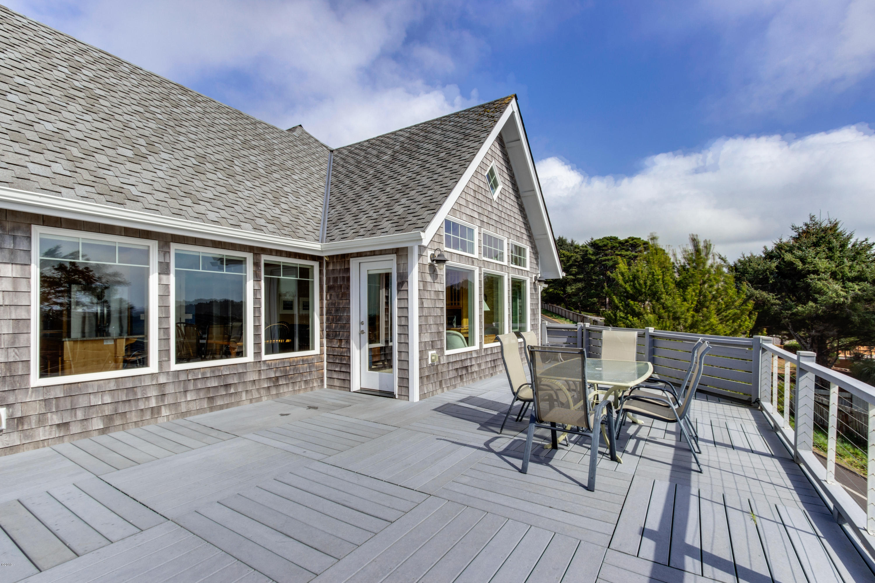 5020 NW Lee Ave, Lincoln City, OR 97367