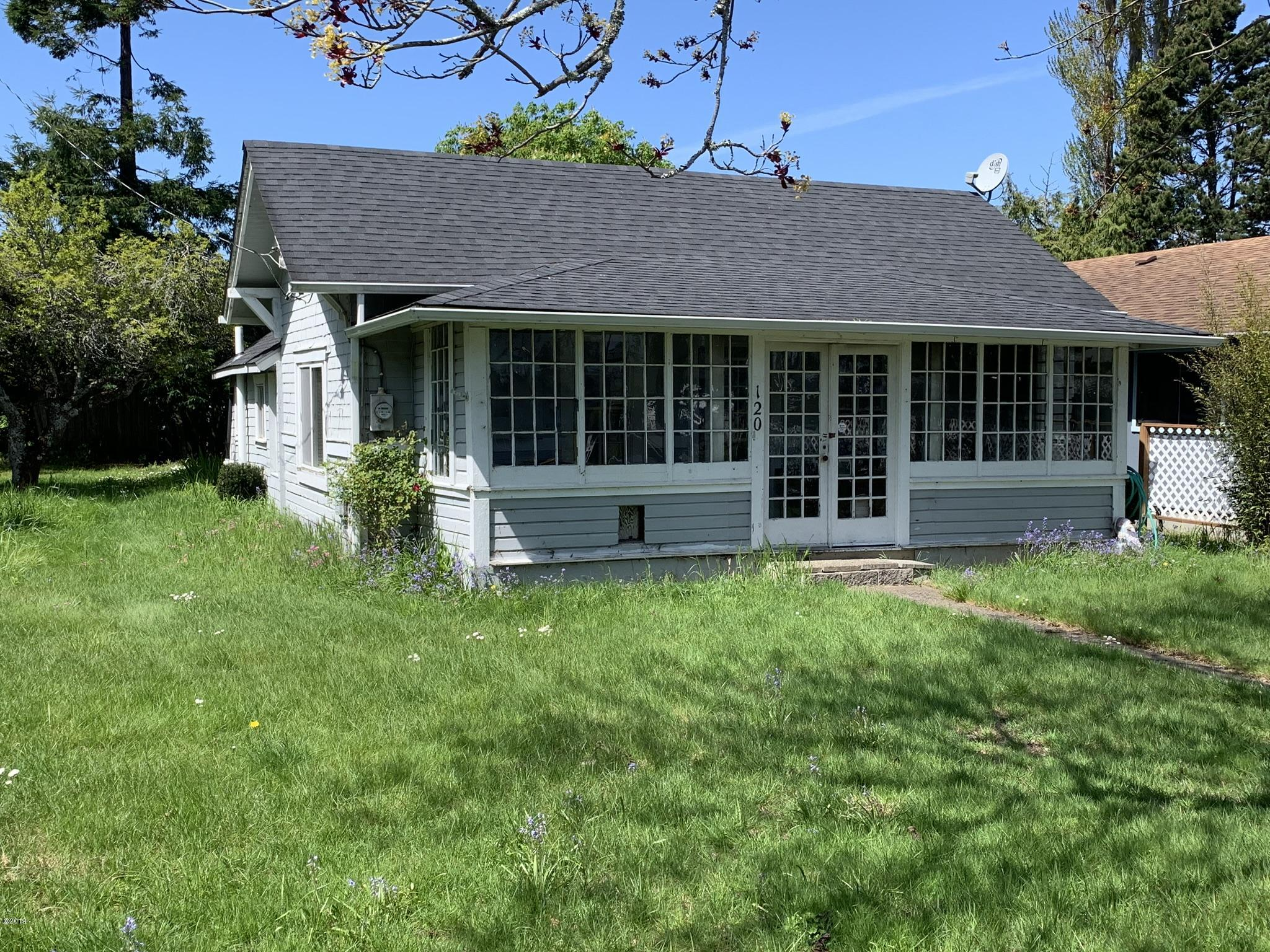 120 NW John St, Waldport, OR 97394 - Front