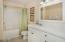 339 Kinnikinnick Way, Depoe Bay, OR 97341 - Master Bath Suite