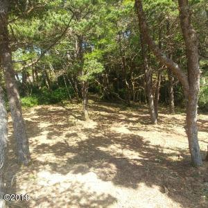 1613 NW Bayshore Dr, Waldport, OR 97394 - 20190427_150352