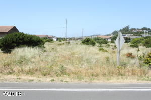 2002 NW Westward St, Waldport, OR 97394 - View from street