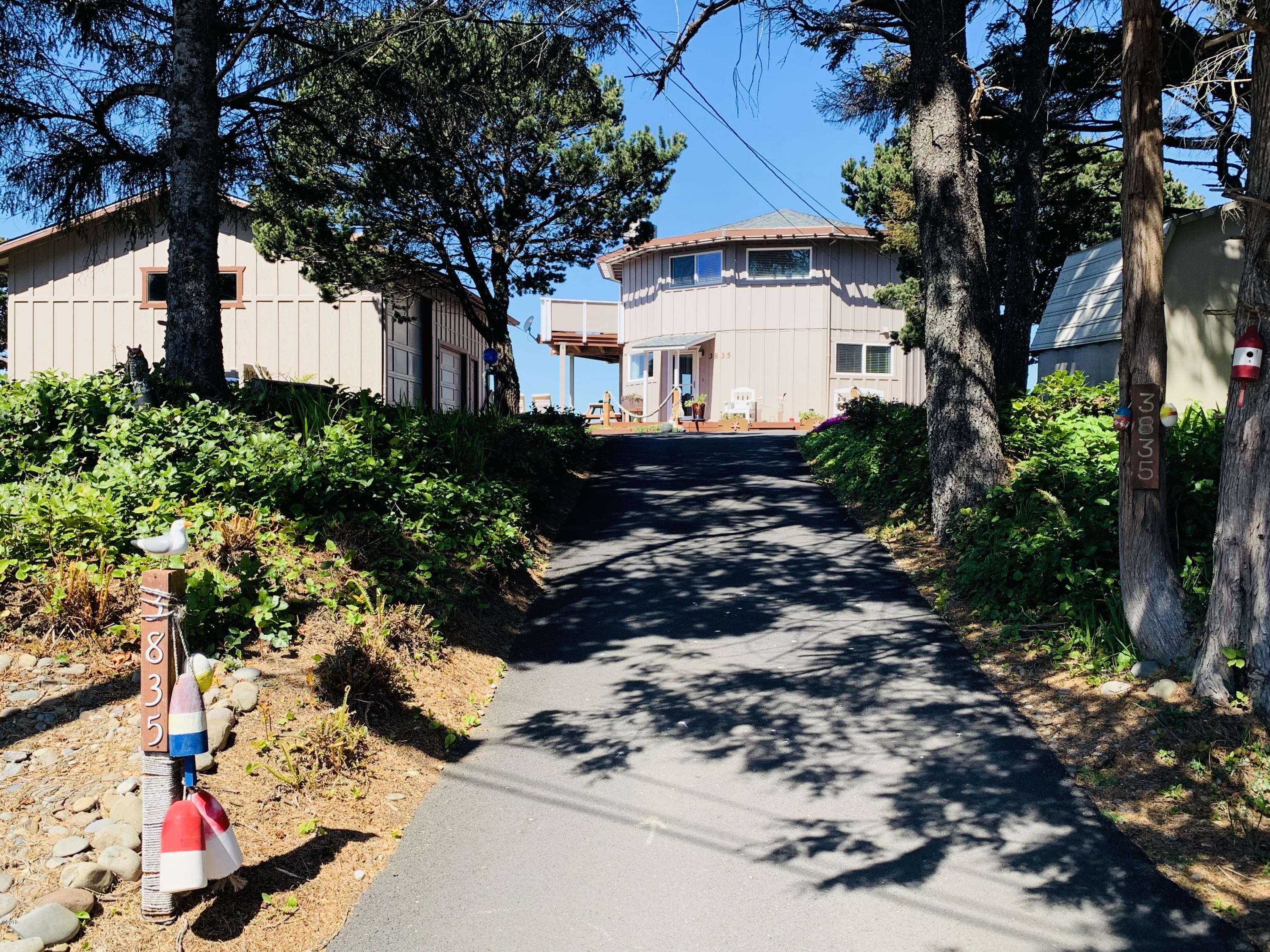 3835 Evergreen Ave, Depoe Bay, OR 97341