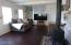 824 SW 9th St, Lincoln City, OR 97367 - Living room