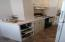 824 SW 9th St, Lincoln City, OR 97367 - kitchen