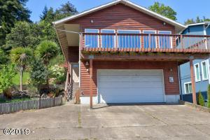 525 SE 4th St, Newport, OR 97365 - Front