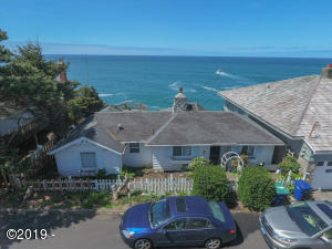 245 SW Coast Av, Depoe Bay, OR 97341