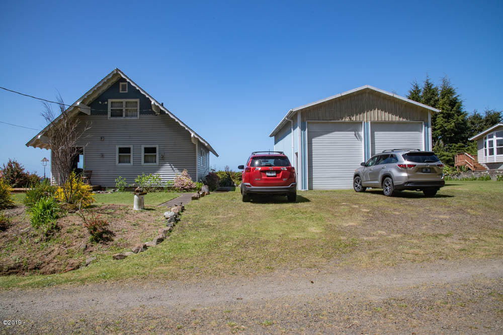 143-153 S Wells Dr, Lincoln City, OR 97367 - main house /RV garage