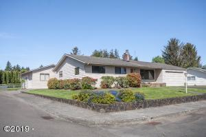 3015 NE Yacht Ave, Lincoln City, OR 97367 - Large corner lot!