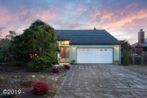 , Pacific City, OR 97135 - Front Exterior