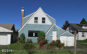 210 Miller Ave, Tillamook, OR 97141 - Front of house