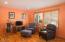 1078 NE Benton St, Newport, OR 97365 - Living room