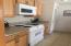 3641 NW Oceanview Dr, 112, Newport, OR 97365 - kitchen
