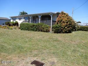 380 NE Grant Street, Waldport, OR 97394 - Front of home