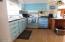 923 SE Bay Blvd, #41, Newport, OR 97365 - Kitchen