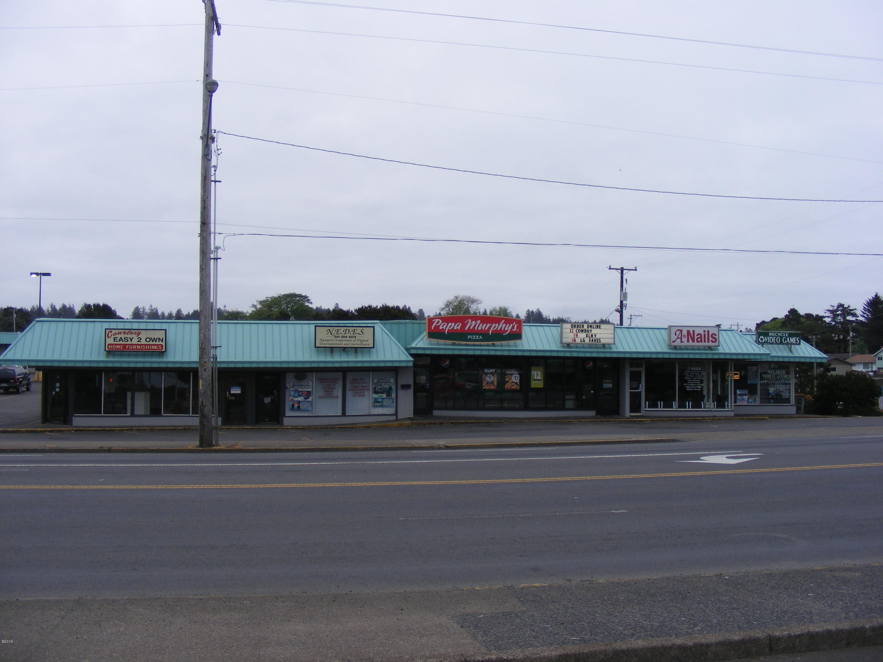 160 NE 6th St, Newport, OR 97365 - Hwy 101