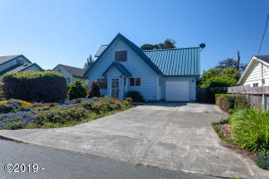 1432 NW 19th St, Lincoln City, OR 97367 - Front