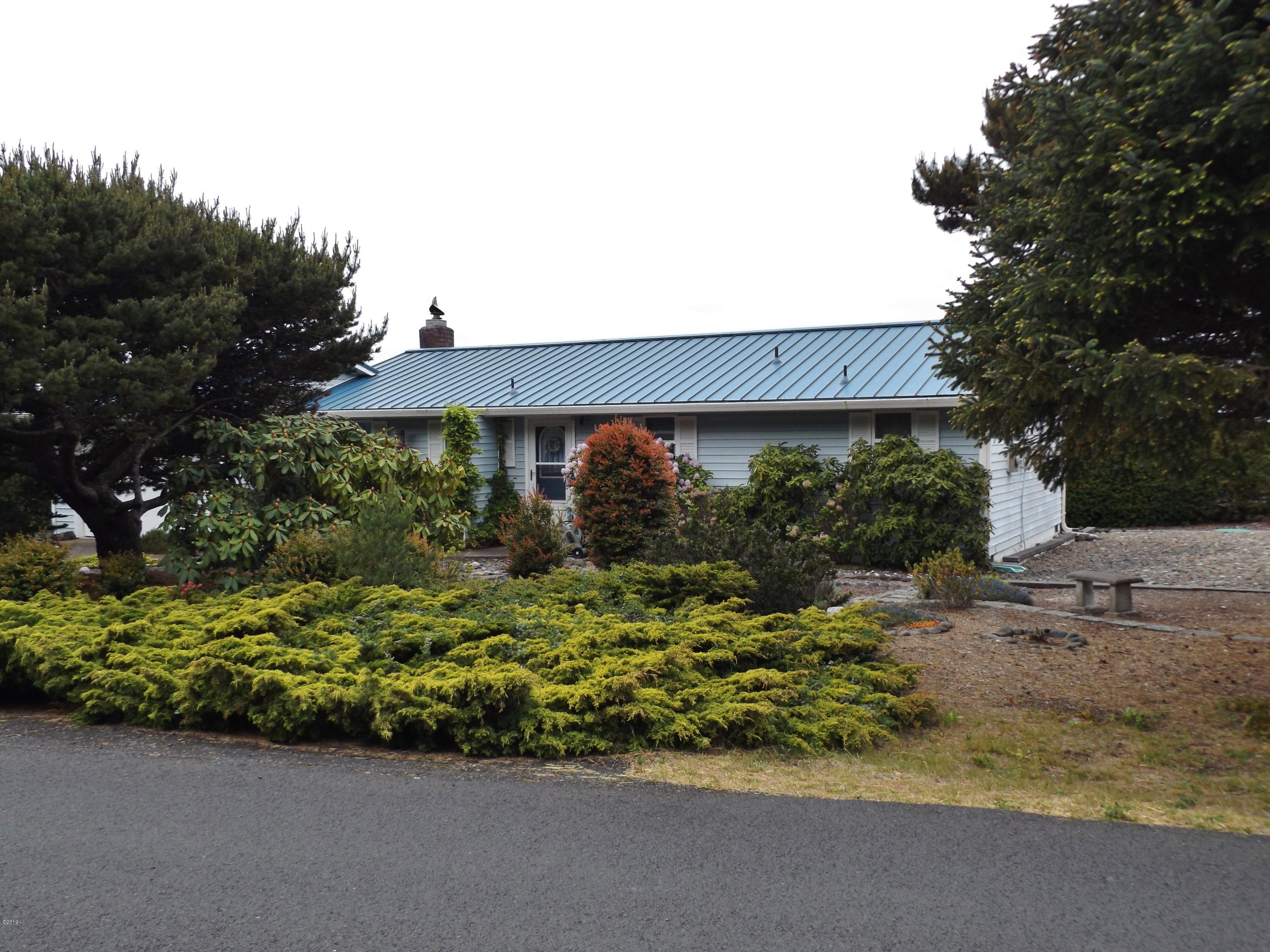 2506 NW Parker Ave, Waldport, OR 97394 - 2506 Parker 058