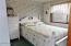 2506 NW Parker Ave, Waldport, OR 97394 - Guest Bed Room