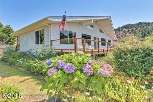516 Bayview Terrace, Yachats, OR 97498 - Ocean Side Of The Home