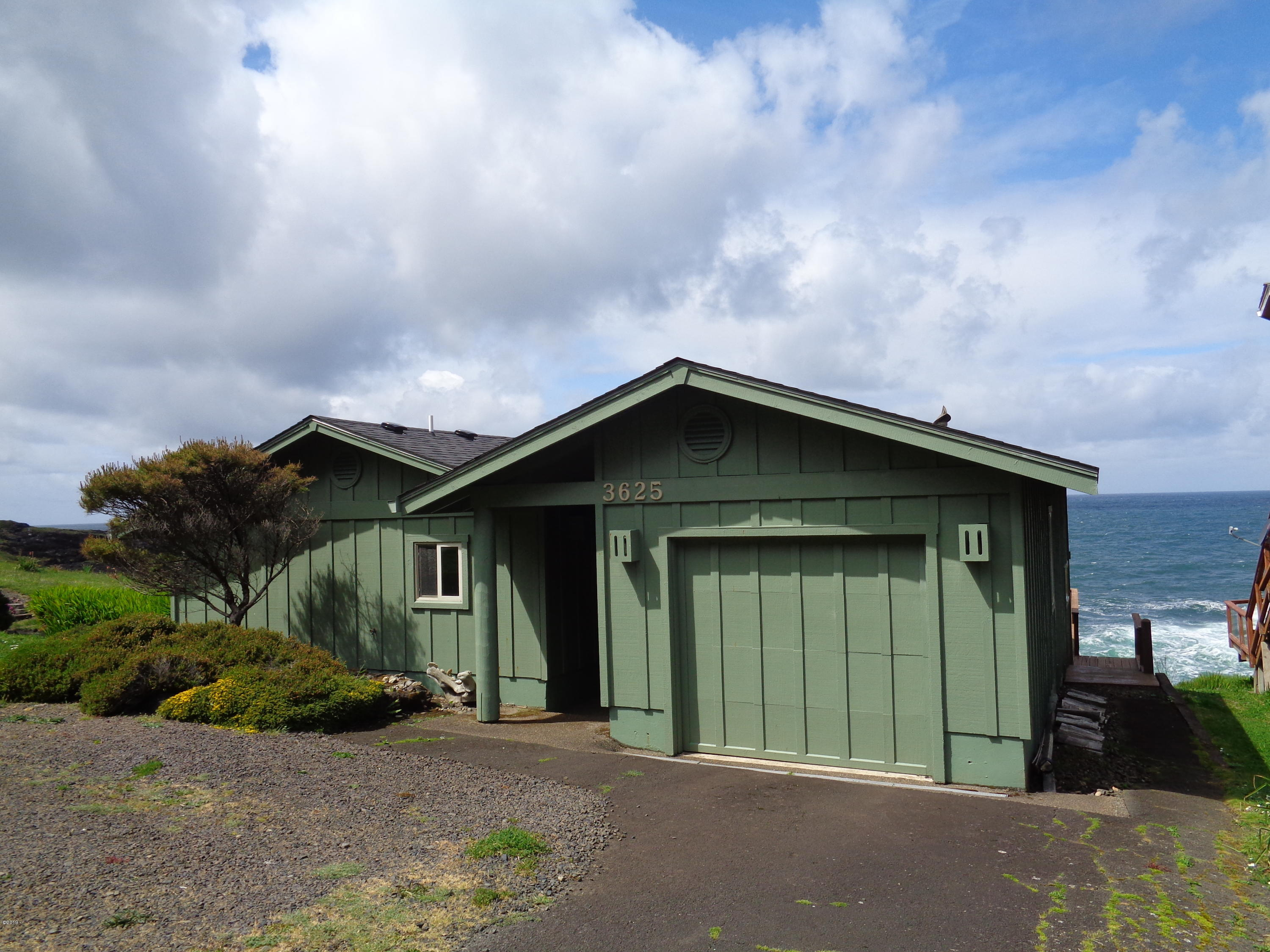 3625 Rocky Creek Ave, Depoe Bay, OR 97341 - Front Elevation