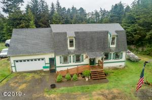 535 SW Wakonda Beach Rd, Waldport, OR 97394 - Curb View