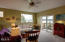 475 SE 35th St, A8, Newport, OR 97366 - living room