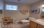 475 SE 35th St, A8, Newport, OR 97366 - 1/2 bath mid level