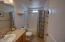 475 SE 35th St, A8, Newport, OR 97366 - main bath