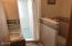 5655 El Circulo Ave, Gleneden Beach, OR 97388 - Master Bathroom