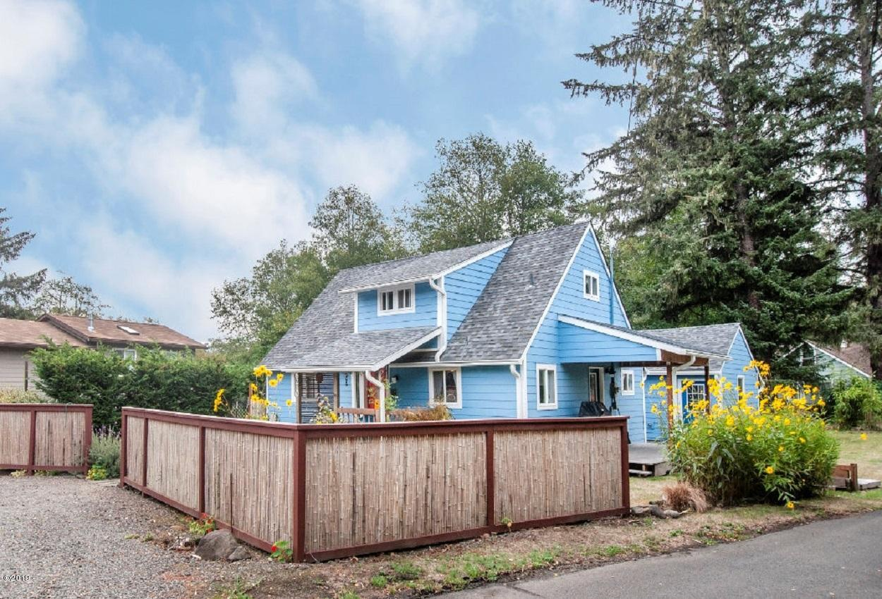 6210 SW Jetty Ave., Lincoln City, OR 97367 - Curbside