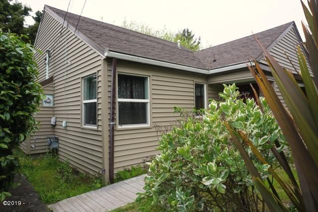 625 SE Inlet Avenue, Lincoln City, OR 97367 - Exterior 1