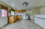 , Hood River, OR 97031 - Kitchen
